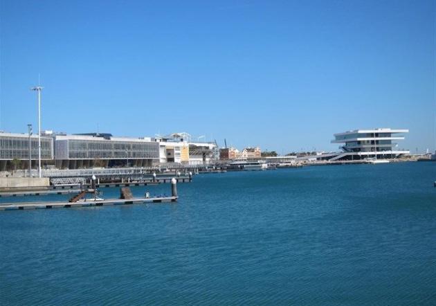 Entorno de la base en el puerto de València