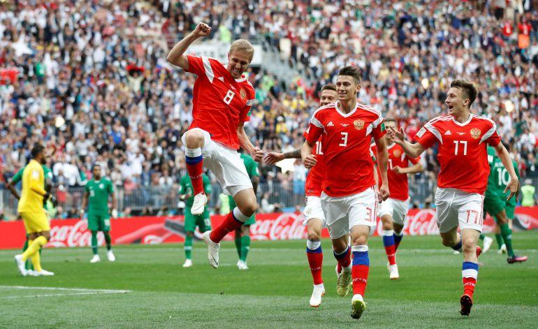 Gol de Gazinsky para Rusia.