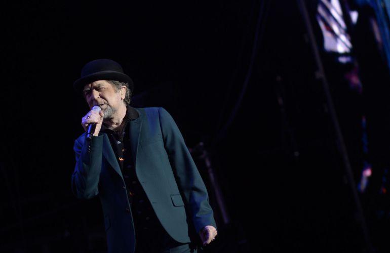 Joaquín Sabina se queda sin voz y abandona concierto en Madrid