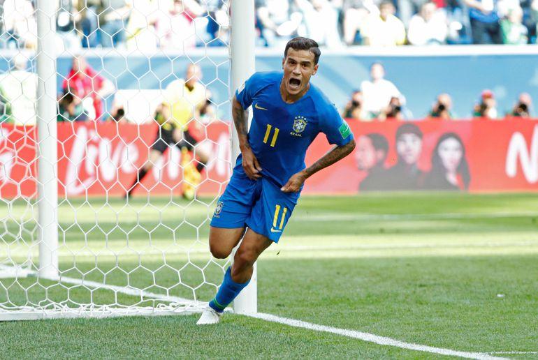 Coutinho celebra el gol de Brasil en el descuento