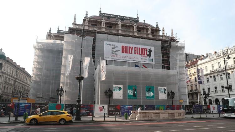 """La Ópera Nacional de Hungría suspende el musical 'Billy Elliot' por """"propagar"""" la homosexualidad"""