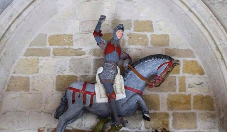 Nueva polémica por restauración de escultura de San Jorge