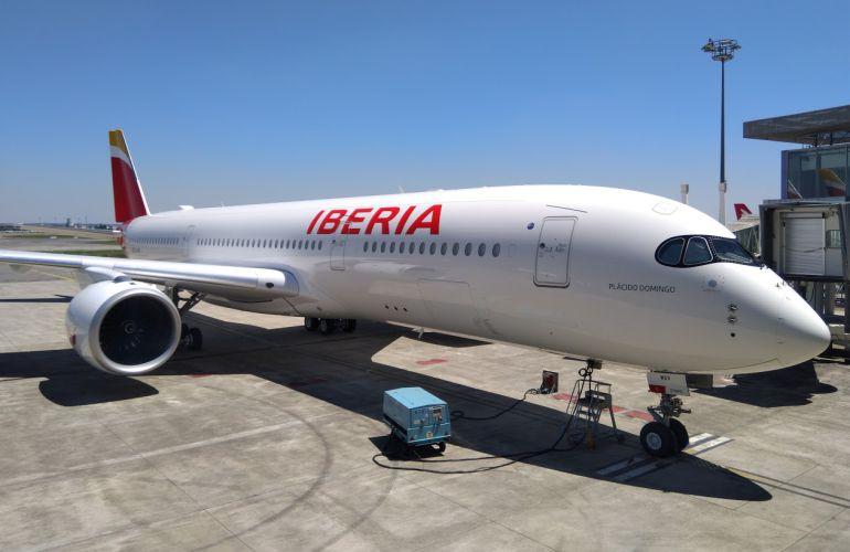 El primer A-350 de Iberia en las instalaciones de Airbus en Toulouse antes de su primer vuelo a Madrid