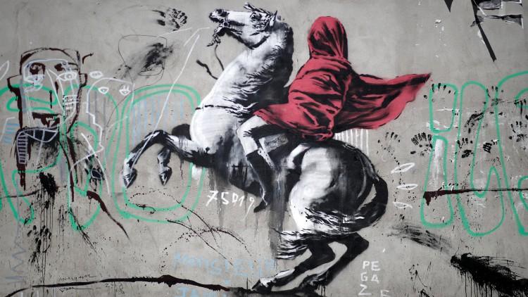 Banksy reaparece en París con grafitis sobre la crisis migratoria