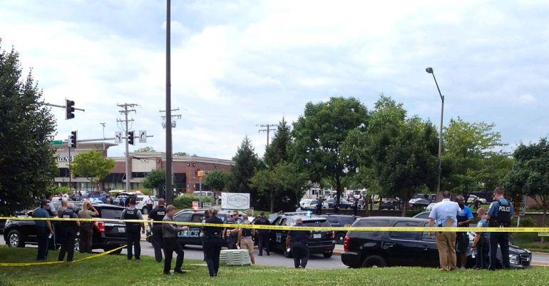 Balacera en un periódico cerca de Washington deja varios muertos
