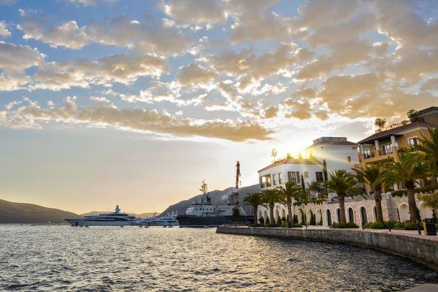 Un viaje a Montenegro digno de 'La viuda alegre'