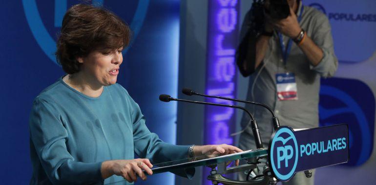 La exvicepresidenta del Gobierno Soraya Sáenz de Santamaría, que ha ganado la primera vuelta de las primarias del Partido Popular, durante la rueda de prensa ofrecida esta noche en la sede de Génova, en Madrid, para valorar los resultados de la votación.