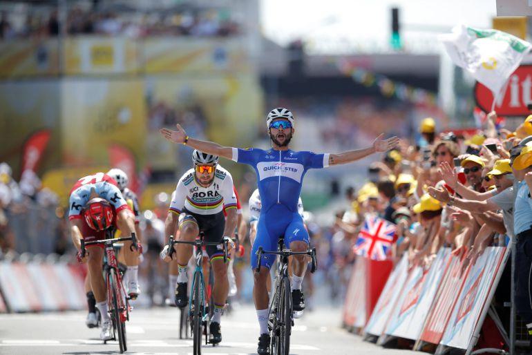 Gaviria celebra su victoria en la 1ª etapa