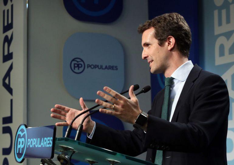 Pablo Casado, que ha quedado hoy segundo en la primera vuelta del proceso interno del PP para elegir al nuevo líder del partido, durante la rueda de prensa ofrecida en la sede de Génova, en Madrid