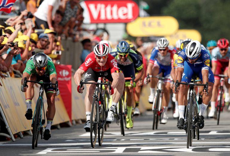 Gaviria se impone a Sagan y a Gripel en un final muy ajustado