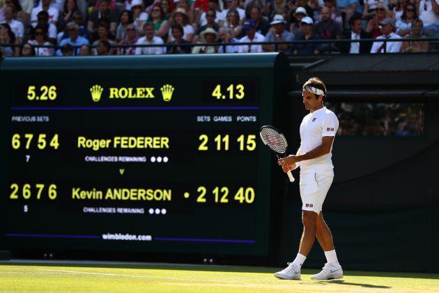 Federer en el último punto del partido antes de caer eliminado frente a Kevin Anderson
