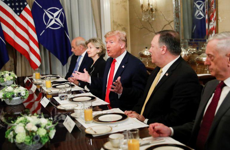 El presidente de EEUU, Donald Trump, durante la reunión con el secretario general de la OTAN, Jens Stoltenberg.