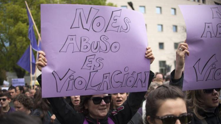 Podemos propone crear un delito de acoso sexual en la calle