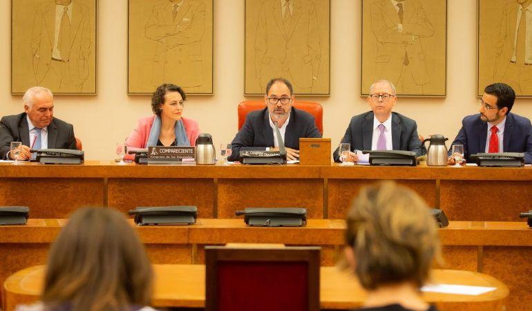 La ministra Magdalena Valerio comparece en el Congreso