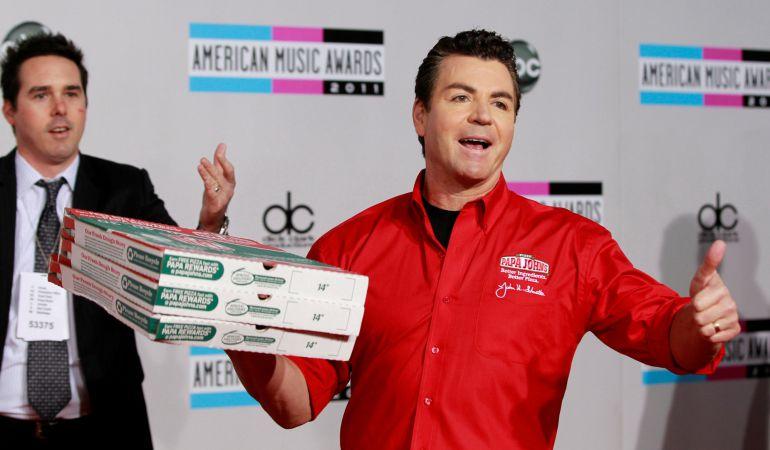 John Schnatter, director de la pizzería Papa John's Pizza
