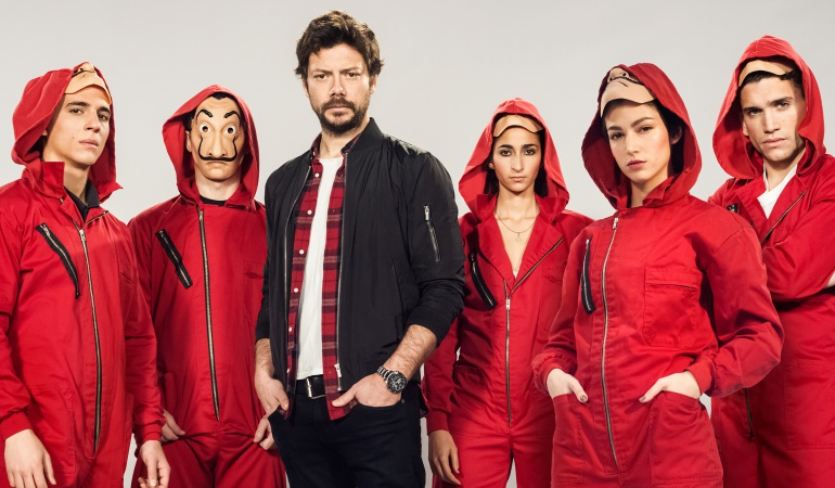 Alex Pina ficha por Netflix