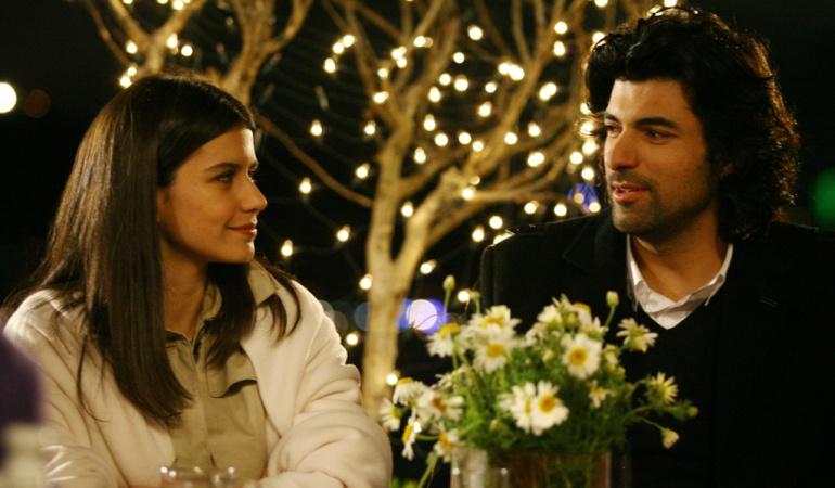 Beren Saat y Engin Akyürek, protagonistas de 'Fatmaül'