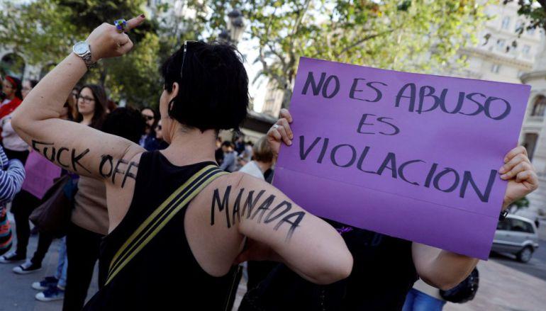 El tribunal de 'La Manada' condena en conformidad por abusos a un hombre que violó a una mujer ebria en Pamplona