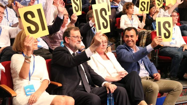 Rajoy se despide de la presidencia del PP con un nuevo lapsus