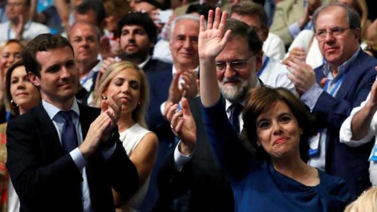 """El """"peligro"""" de Casado y """"la soberbia"""" de Santamaría"""
