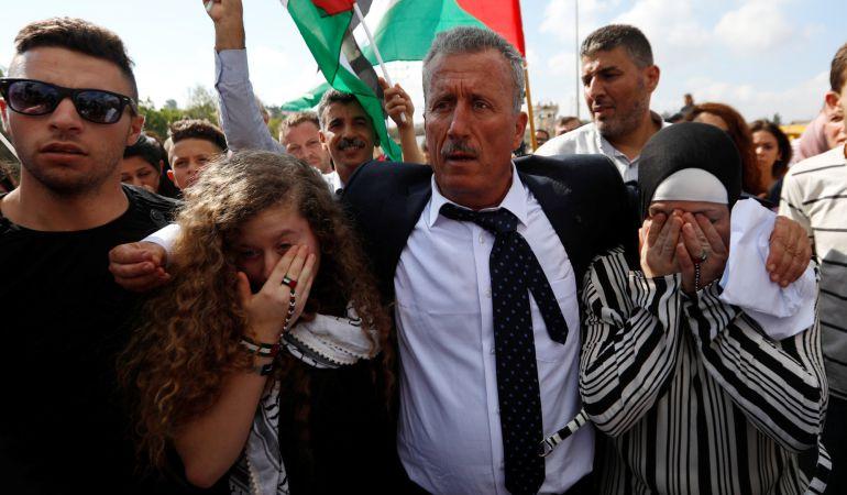 Israel libera a la adolescente icono de la resistencia palestina