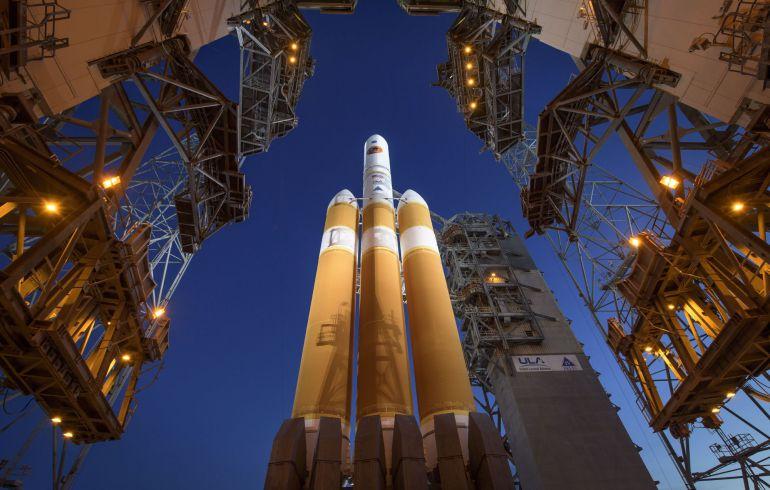 NASA lanza la sonda Parker, la misión que busca 'tocar' el Sol