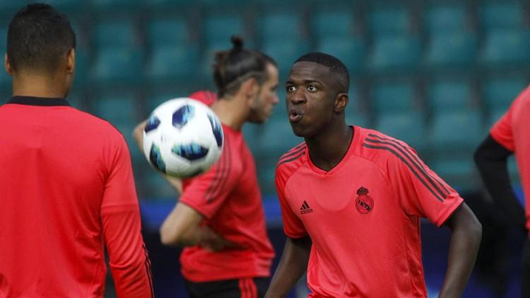 Vinicius encandila a la UEFA con sus filigranas ante Pintus
