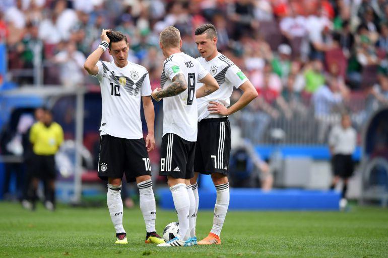 Toni Kroos critica a Mesut Özil por dejar a Alemania