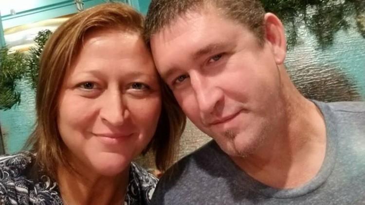 Dos niñas matan al novio de su madre cuando intentaba estrangularla