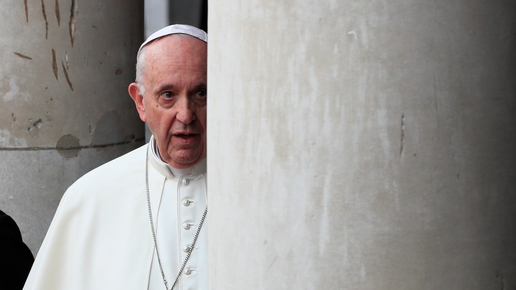 papa francisco admite fracaso iglesia crímenes repugnantes