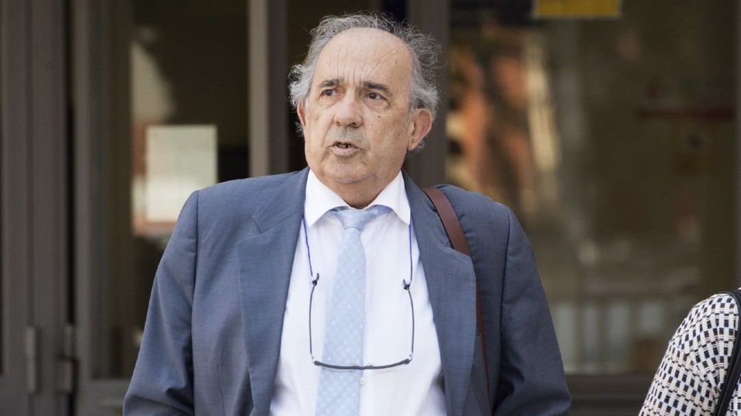 La Policía investiga pagos de Álvarez Conde a su familia con dinero de la URJC