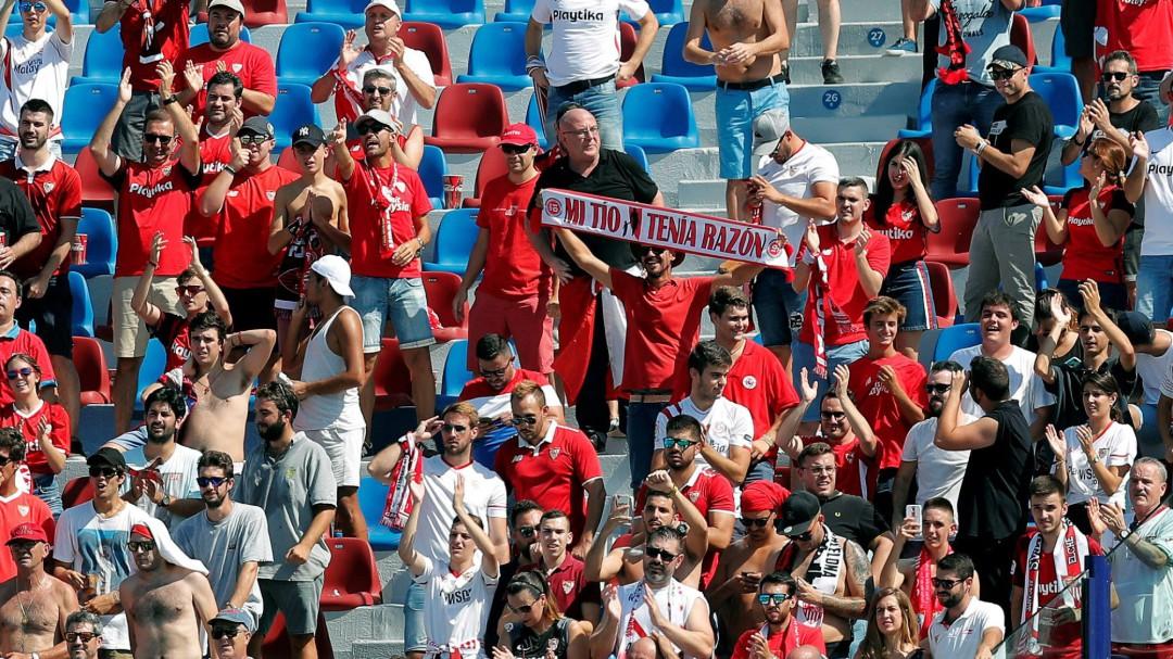 Más de veinte aficionados afectados por golpes de calor este domingo en los campos de Primera