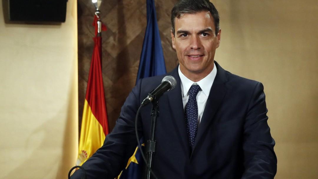 El PP espera la dimisión de Delgado para dar jaque mate a Sánchez