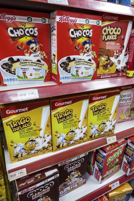 Los cereales, con vitaminas y muy azucarados, suelen estar en los desayunos de las familias.