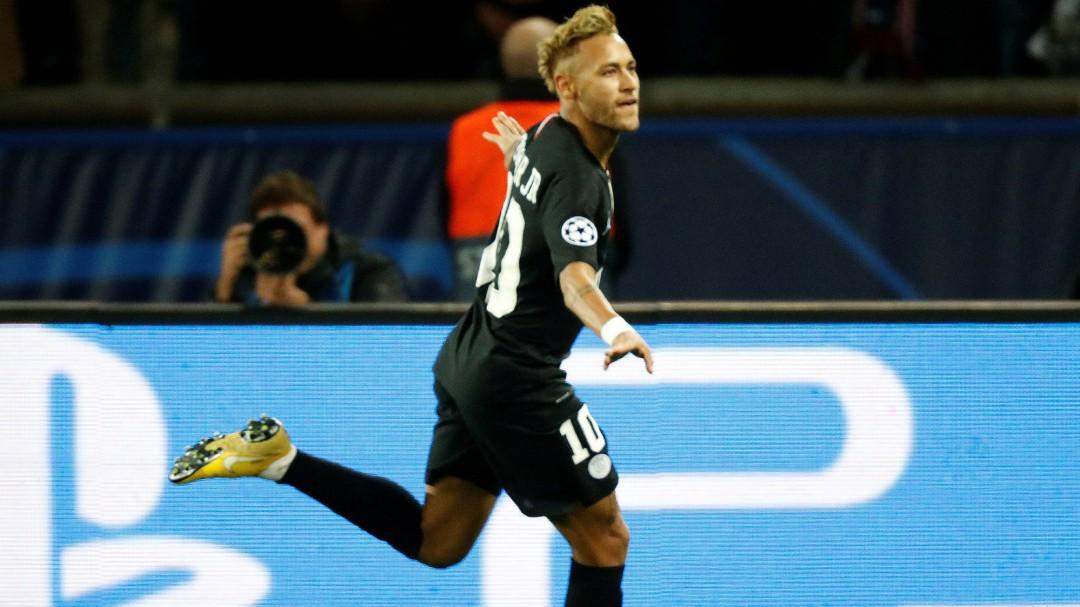 Neymar se luce ante el Estrella Roja