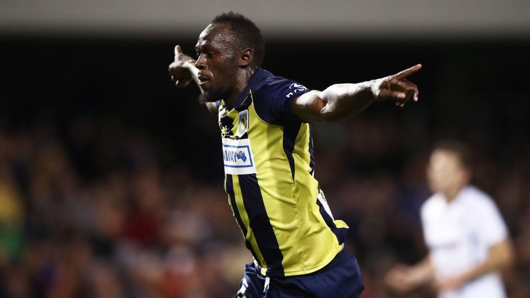 Usain Bolt marca un doblete en su primer partido como titular en Australia