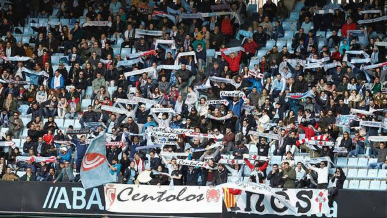 Pancartas en la Grada de Marcador (Foto: Centolos Celestes).