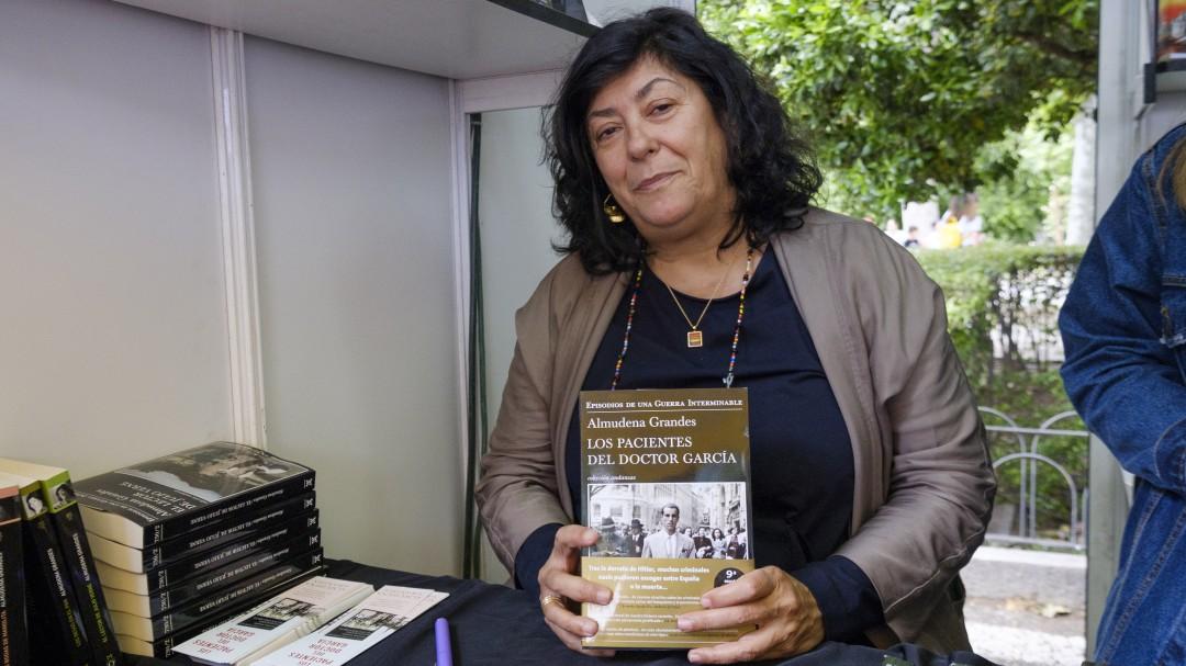 Almudena Grandes gana el Premio Nacional de Narrativa