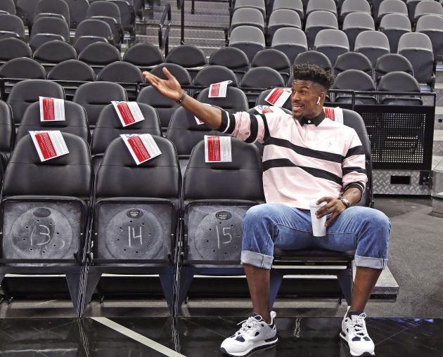 Oficializan cambio de Jimmy Butler a los Sixers de Filadelfia