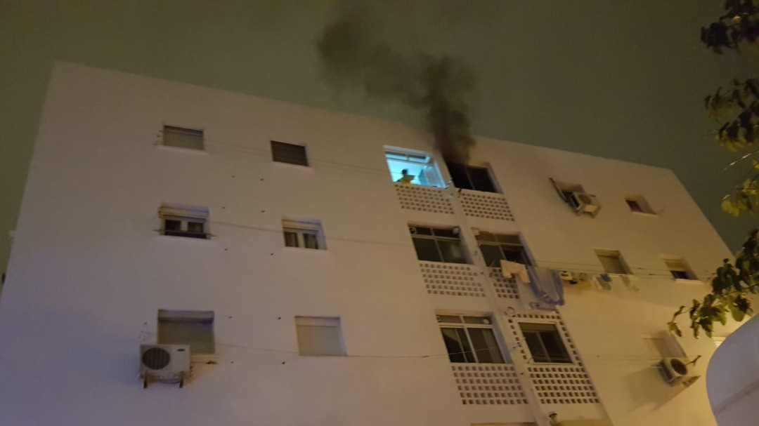 Un fallecido y un herido grave en un incendio en la barriada Vistafranca
