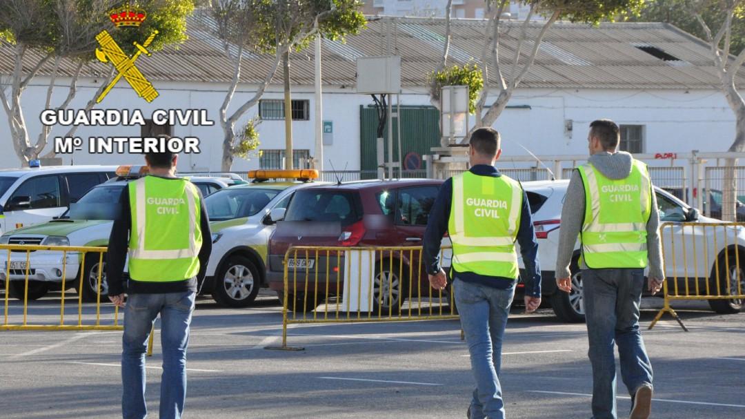 La Guardia Civil halla a salvo a los dos menores a bordo de un coche robado