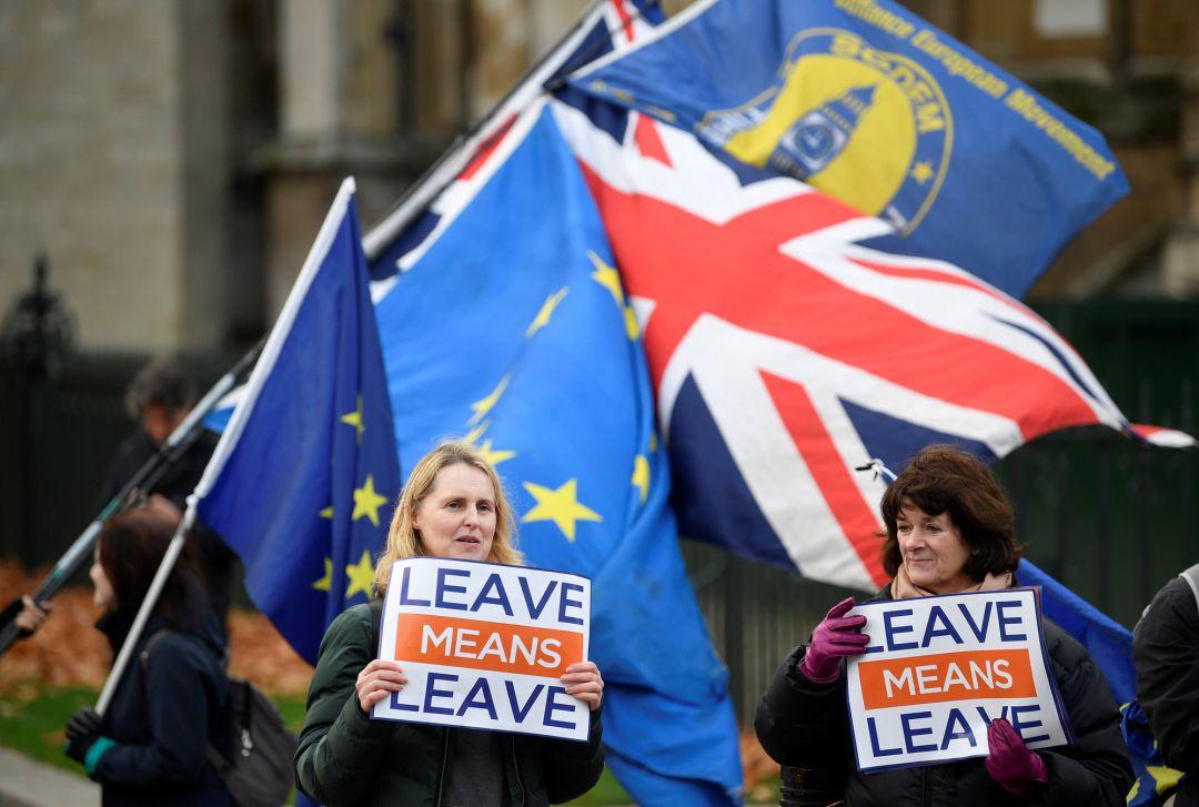Theresa May anuncia aplazamiento de la votación parlamentaria sobre el Brexit