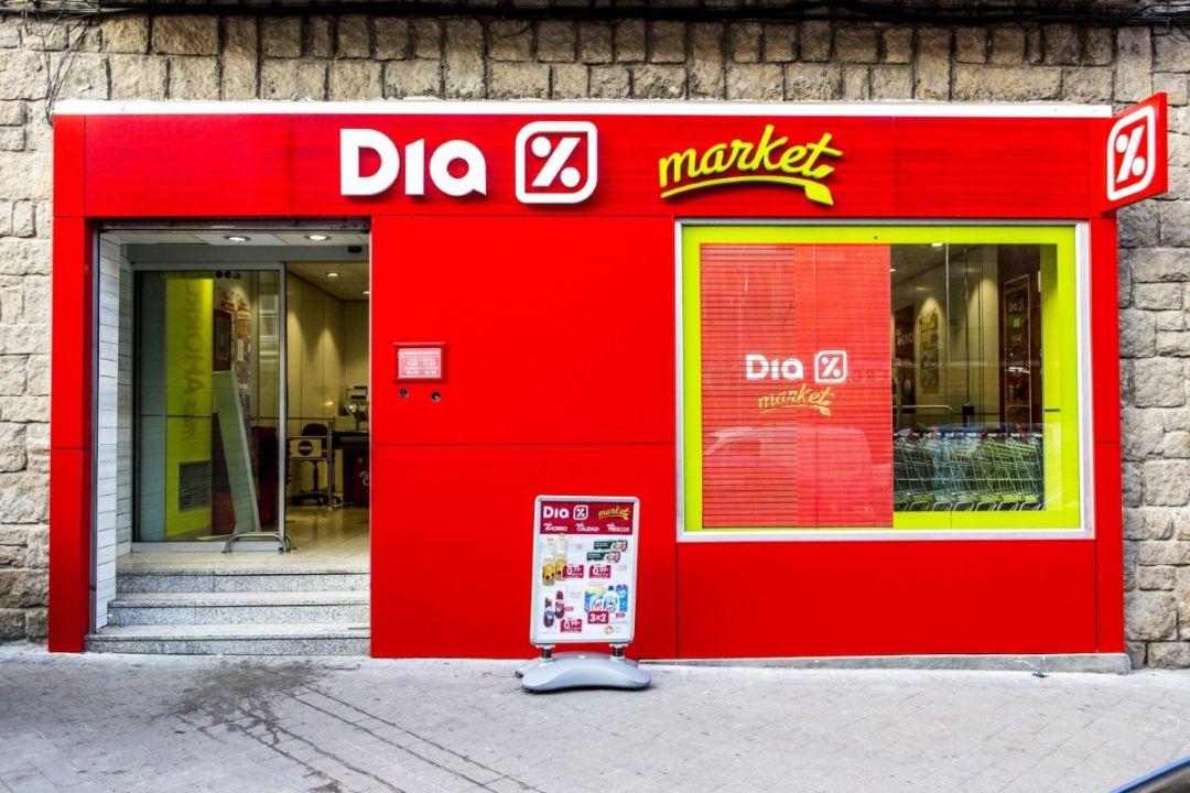 Supermercados Dia, en apuros, sale del Ibex 35 en España