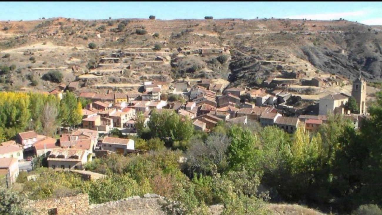 El alcalde de <h3 class='enlacePalabraNoticia' onclick='opcionBuscarActualidad('Ayllón','')' >Ayllón</h3> demanda un servicio profesional de bomberos en el medio rural