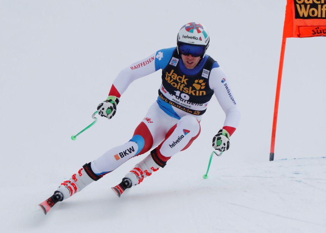 El suizo Marc Gisin, sin lesiones graves tras su espeluznante caída