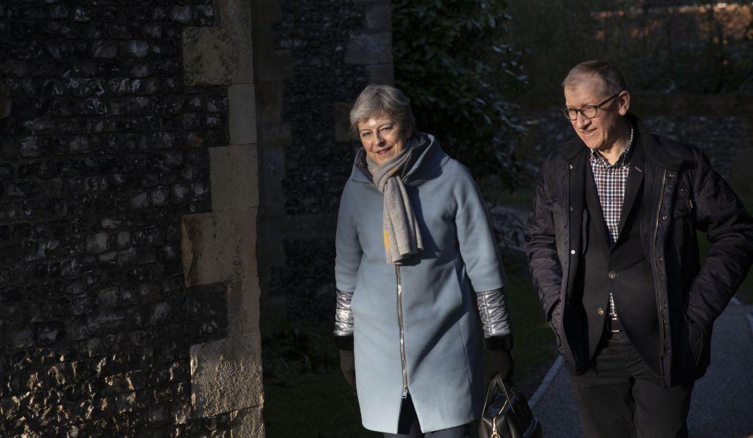 May solicitará a Bruselas un aplazamiento del 'brexit' de tres meses