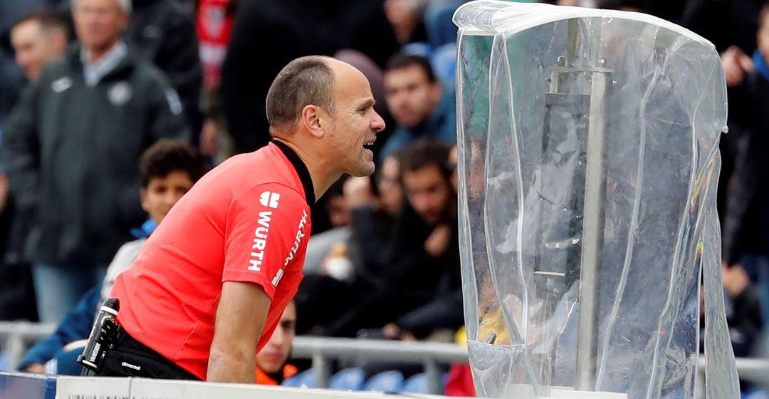 ¿Gol, fuera de juego, mano? El VAR señaló penalti y Suárez convirtió