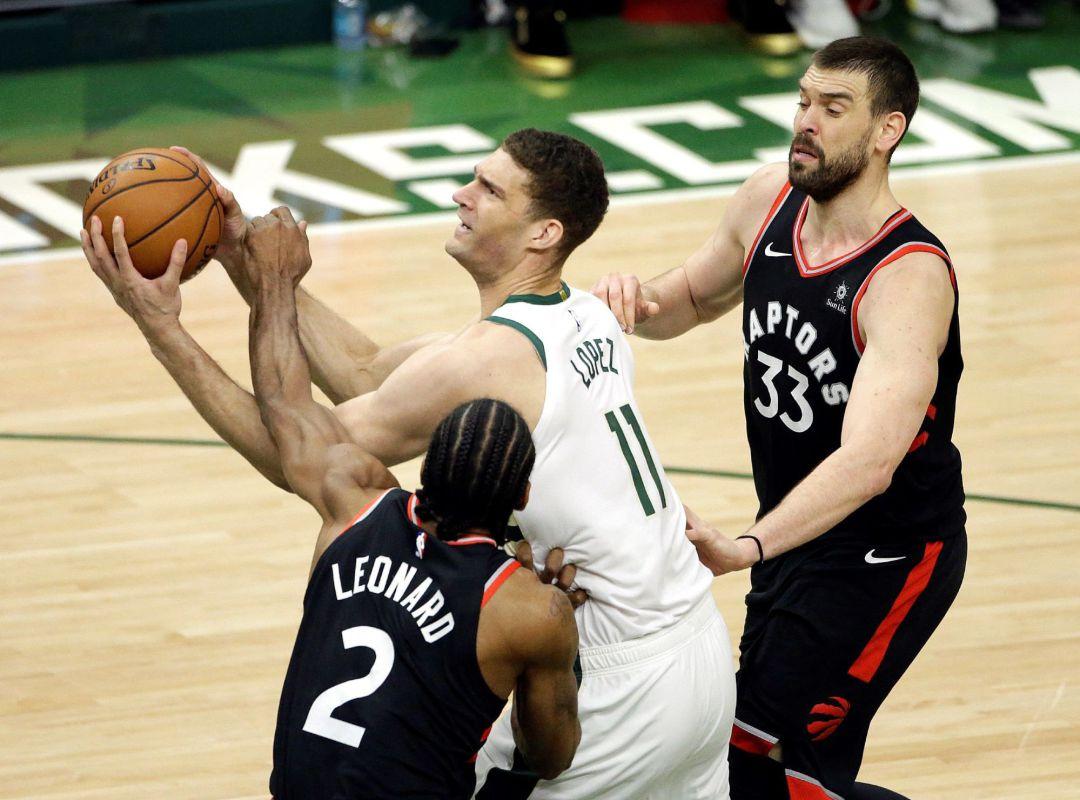 Bucks toma ventaja en Final del Este tras remontar a Raptors
