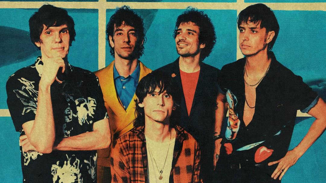 Así suena 'At the door', el regreso (sin guitarras) de The Strokes tras cuatro años de silencio discográfico