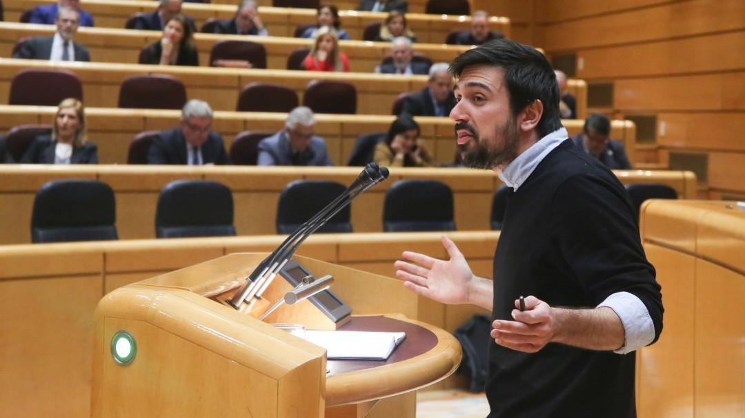 El escándalo progre de Ramón Espinar le cuesta un disgusto en Twitter: Ya usa hasta su terminología